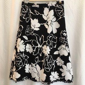 Talbot's Petites Skirt Size 4 Black and White